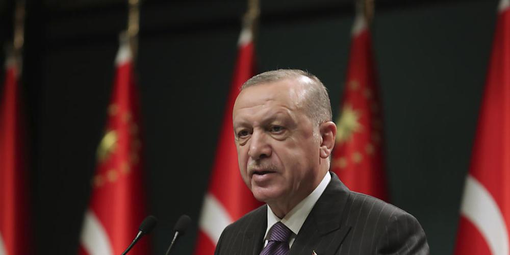 ARCHIV - Recep Tayyip Erdogan, Präsident der Türkei, spricht im Anschluss an eine Kabinettssitzung bei einer Pressekonferenz. Foto: --/Turkish Presidency/AP/dpa - ACHTUNG: Nur zur redaktionellen Verwendung und nur mit vollständiger Nennung des vor...