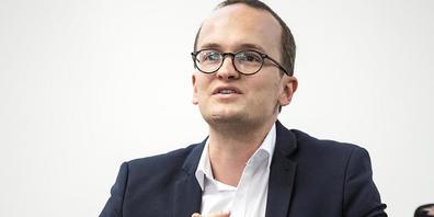 «Das Gesetz führt nicht zu Leerkündigungen und nicht zu Zwangsverkäufen»: Baudirektor Martin Neukom (Grüne) zum neuen Energiegesetz. (Archivbild)