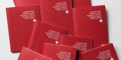 Identitätskarte oder Pass frühzeitig erneuern.