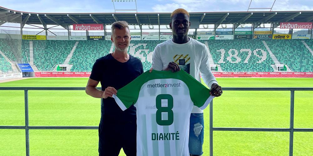 Ousmane Diakité mit FCSG-Sportchef Alain Sutter