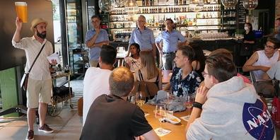 Organisator Jan Miara von der Gemeinde Au informierte die Jungbürger über den Ablauf des Events