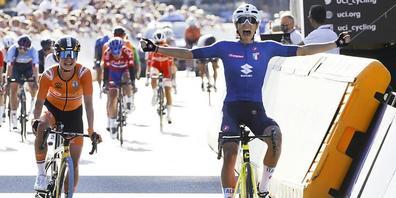 Die Italienerin Elisa Balsamo setzt sich im WM-Strassenrennen in Leuven im Sprint vor der Niederländerin Marianne Vos durch