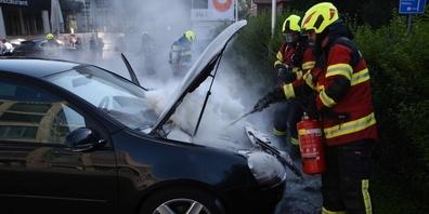 Ein technischer Defekt ist vermutlich die Ursache dieses Motorenbrandes