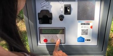 Bezahlen kann man mit Kleingeld und Zahlsystemen wie Twint oder Parkingpay (Symbolbild)