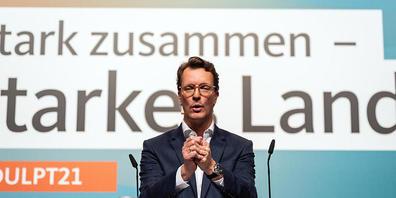 Hendrik Wüst, neuer Landesvorsitzender in Nordrhein-Westfalen spricht zu den Delegierten auf dem Landesparteitag der CDU. Foto: Bernd Thissen/dpa