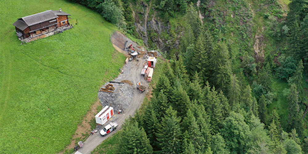 Der Bau des Bergwegs Casällas–Eggli dauert länger und wird teurer als geplant