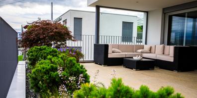 Wer wünscht sich bei diesem Wetter keine Terrasse, um die schönste Zeit des Jahres im Freien zu verbringen?