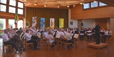 Im Saal der Neu-Schönstatt-Schwestern zogen die 70 MusikantInnen aus dem ganzen Kanton alle Register.