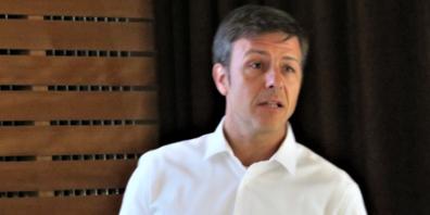 Dominic Sieber (SFS Bereich Holzbau) wies in seiner Präsentation auf die zunehmende Bedeutung von digitalen Plattformen hin.
