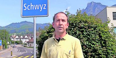 Der Schwyzer Künstler Bruno Steiner beschäftigt sich mit den geringen Kulturausgaben im Kanton Schwyz.