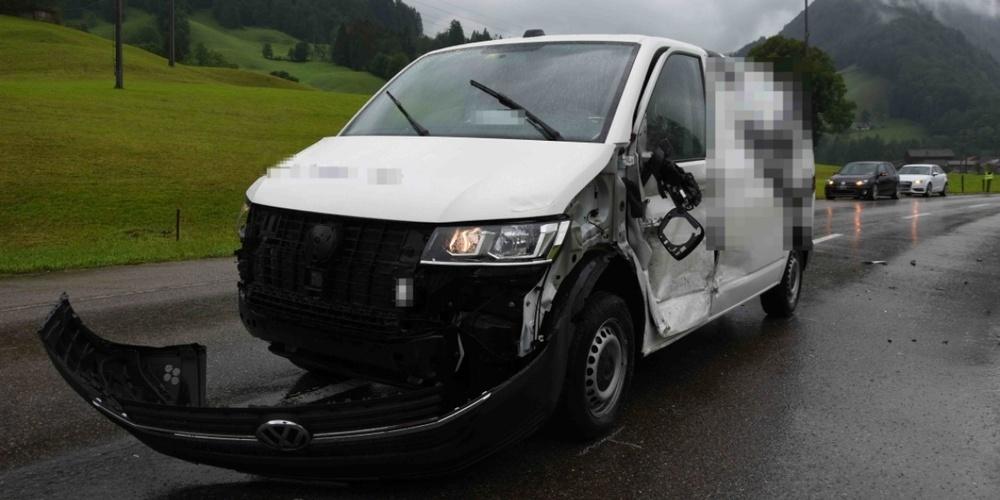 An den Fahrzeugen entstand Sachschaden von rund 25'000 Franken.