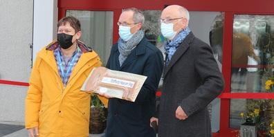 Feierliche Eröffnung (v.l.):  Christof Gisler (Geschäftsführer Murg-Stiftung), David Bosshard (CEO Clienia-Gruppe) und Hans Schwyn (Präsident des Stiftungsrates der Murg-Stiftung).