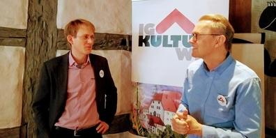 Im Bild (v.l.): Sebastian Koller (Präsident IG Kultur Wil)  und Erwin Böhi (Kantonsrat und Vizepräsident IG Kultur Wil) sind auch unter den Unterzeichnenden.