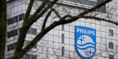 Philips musste im Sommer bis zu vier Millionen Beatmungsgeräte für Patienten mit Schlafapnoe wegen schädlichen Schaumstoffs zurücknehmen. Das hat dem Unternehmen im dritten Quartal zugesetzt. (Archivbild)