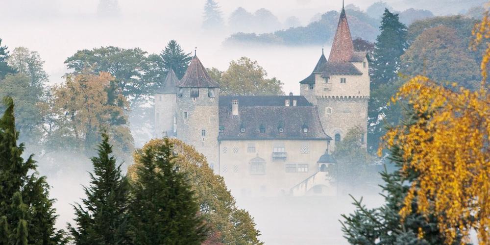Das Schloss Marschlins steht in Igis-Landquart.