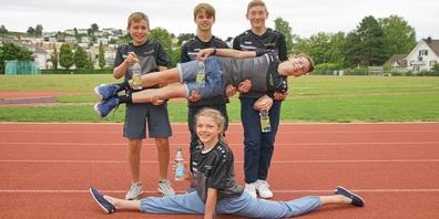 Gut gelaunt: Kurz vor den Sommerferien trafen austretendende Jugendliche auf neue Sportschüler.