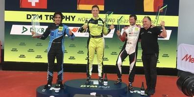Auf dem Podest stehen von links: Lucas Mauron, Marcel Marchewicz und Nico Verdonck
