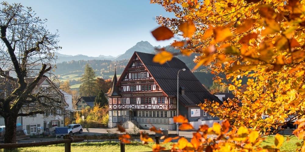 In der Brauerei St. Johann in Neu St. Johann gibt es am Donnerstag einen kleinen Wochenhöhenpunkt. (Symbolbild aus dem Herbst)