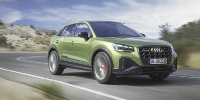Mit seinem Turbolader 2.0 TFSI mit 221 kW (300 PS) beschleunigt der Audi SQ2 in 4,9 Sekunden von  0 auf 100 km/h.