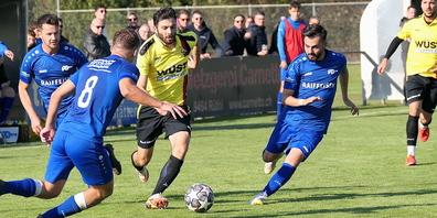 Der ballführende Sahin Irisme erzielte für seinen FC Altstätten wieder ein Tor aus einem  Penalty, den er zuvor selbst herausgeholt hat