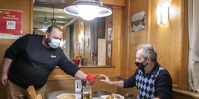 Der Bund erlaubt die Öffnung von Restaurants mittags als Kantinen für Handwerker und Aussendienstler. Im Kanton St. Gallen haben sich bisher 45 Betriebe registrieren lassen (Symbolbild).