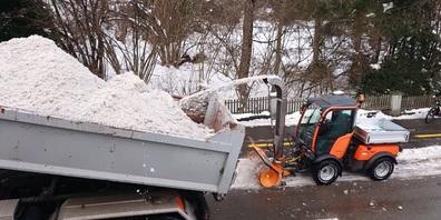 Winterdienst: Eine der Schwerpunktaufgaben der Mitarbeitenden des Unterhaltsdienstes, damit die mobile Gesellschaft funktioniert.