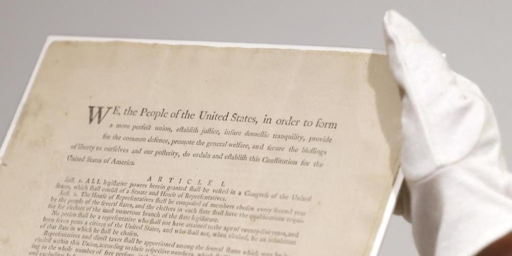 Kommt im November in New York unter den Hammer: Eines der letzten elf erhaltenen Originalexemplare der US-Verfassung aus dem Jahr 1787.