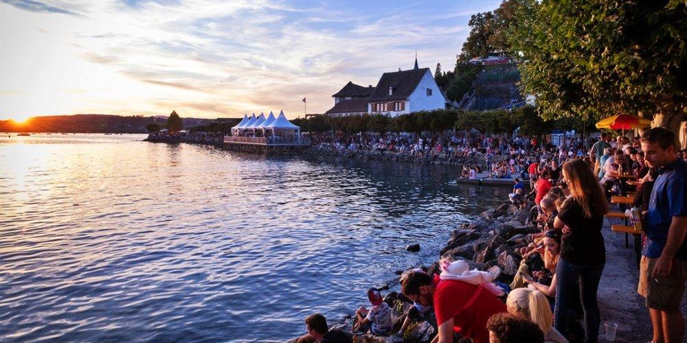 Feuerwerk, Flugshow, Konzerte und Festmeile kehren vom 12. bis 14. August 2022 zurück an den oberen Zürichsee.