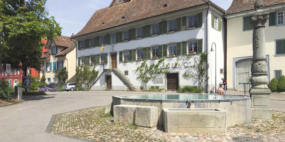 Die Organisatoren  wollen mit der Landsgemeinde auf dem Kirchplatz  vor der reformierten  Kirche  Thayngen daran erinnern, wie vor 100 Jahren an demselben Ort die Turnveteranenvereinigung gegründet wurde.