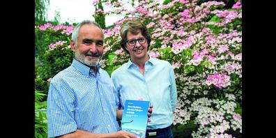 Heiner Lüscher und Christine Hüssy haben nach ihrer Pensionierung ein Buch herausgegeben. Ursula Wicki aus Hüntwangen (im Bild) ist Mitautorin des 363 Seiten umfassenden Werkes.