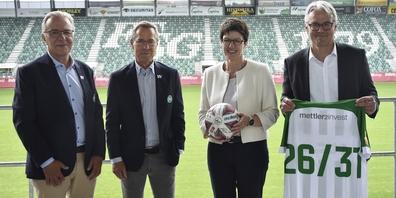 Ivo Forster, CEO FC St.Gallen Event AG; Matthias Hüppi, Präsident FC St.Gallen 1879; Michaela Hefele, Leiterin Direktion Gastronomie/Freizeit; Peter Diethelm, Geschäftsleiter Migros Ostschweiz