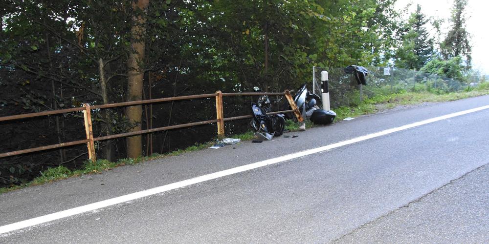 Die Unfallstelle in Schmerikon – es entstand Sachschaden in der Höhe von mehreren tausend Franken.