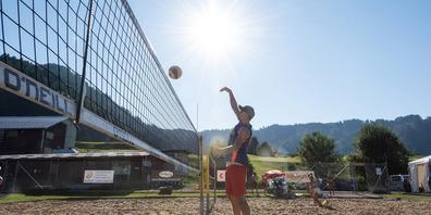 Am Samstag treten auf den Beachfelndern in der Grotzenmühle die Damen zum A2-Turnier an, am Sonntag dann die Herren. Der Eintritt ist frei.