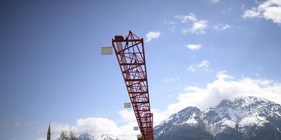 Im Bündnerland sind in den letzten Jahren immer wieder Absprachen zwischen Baufirmen vorgekommen. Nun sind weitere drei Firmen in der Region Moesa ins Visier der Weko geraten. (Symbolbild)