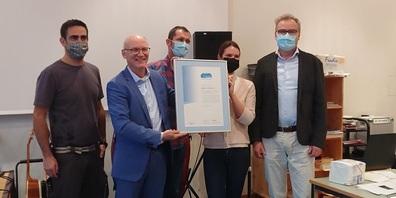 V.l.: Michael Stillhart (Hauswart9, Andrea Paoli (Kanton Thurgau), Christoph Goetsch (Schulleiter), Sandrine Wild (Sekundarlehrerin) und Armin Blöchlinger (Schulpräsident).