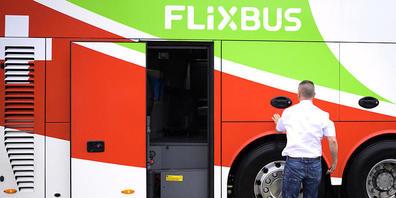 Flixbus-Tickets können jetzt auch am Valora-Kiosk gekauft werden. (Archivbild)