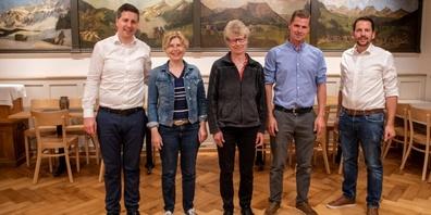 Thomas Bösch, Esther Friedli, Margrit Hinterberger, Andreas Hinterberger  und Ivan Louis (von links).