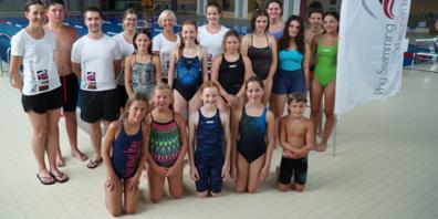 In den neuen Hallenbädern Balgach und Altstätten macht den Trainerinnen und Trainer sowie Schwimmerinnen und Schwimmern von Rhy Swimming das Schwimmen doppelt Spass.