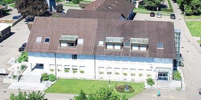 Im Gemeindehaus werden 4 Gemeinderatssitze frei.