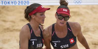 Joana Heidrich (rechts) und Anouk Vergé-Dépré müssen sich im Tokioter Sand erstmals geschlagen geben