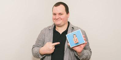 Der Jenazer Chris Bluemoon präsentierte am Freitag sein viertes  Soloalbum «Buuchgfühl». (Foto: zVg)