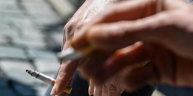 Laut WHO erhöht Rauchen das Risiko, schwer an Covid-19 zu erkranken.