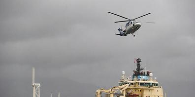 ARCHIV - Das Schiff der niederländischen Gruppe «The Ocean Cleanup» ist während eines Zwischenstopps im Hafen von Vancouver zu sehen. Foto: Darryl Dyck/The Canadian Press/AP/dpa