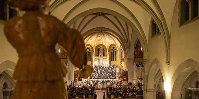 In der Kirche St. Michael in Zug fand am Montagabend der Gedenkanlass zum 20. Jahrestag des Zuger Attentats statt.
