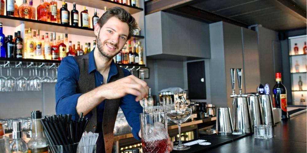 Sergey Keller hinter der Bar im Le Fumoir.