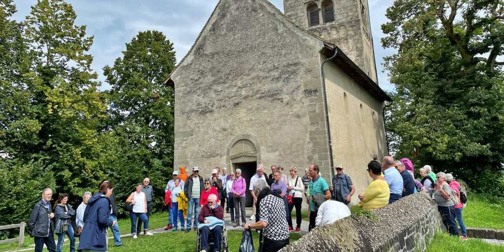 Die Seniorinnen und Senioren aus Schmerikon erlebten Ende August auf der Insel Ufnau einen spannenden und geselligen Tag.