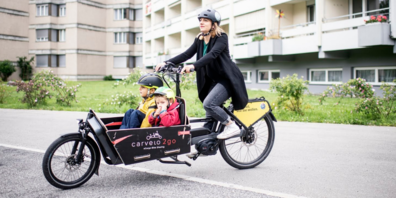 Die elektrisch unterstützten Lastenräder bieten sich für den Transport von Einkäufen oder für Ausflüge in die Umgebung an.