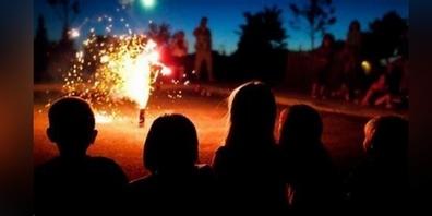 Lassen Sie sich beim Einkauf von Feuerwerk gut beraten. (Symbolbild)