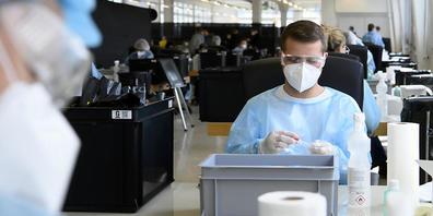 In Graubünden werden seit Februar über 40'000 Personen wöchtentlich auf das Coronavirus getestet. (Symbolbild)