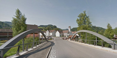 Der Bahnübergang an der Sternenbergstrasse wird während 5 Tagen gesperrt.